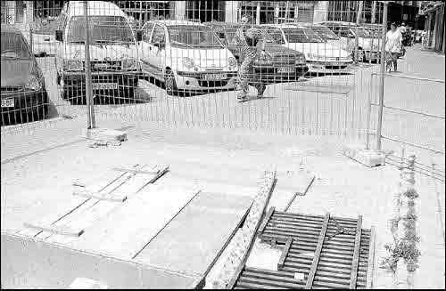 Localizan cerámica árabe en las excavaciones frente a la iglesia mayor de Manacor